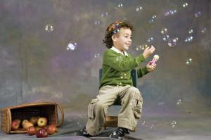 צילום ילד עם בועות