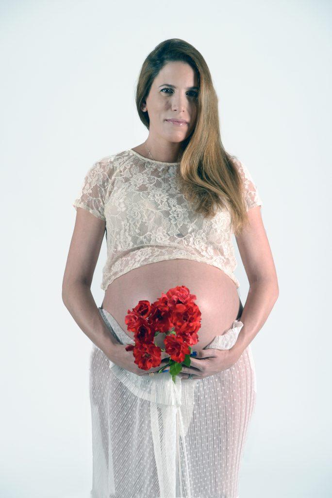 צילום הריון סטודיו